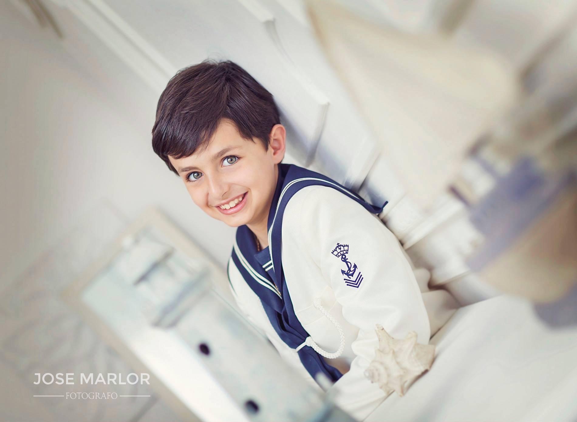 fotos de niño de comunion